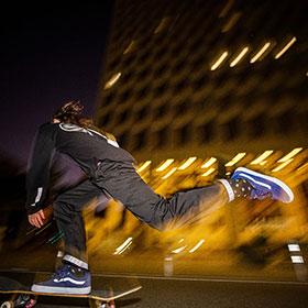 <span>スケーターの足元を照らす</span>「Vans Reflective Pack」