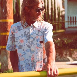 Surf<span>のクラシックと未来が融合した、</span>Vans<span>と</span>Joel & Tosh Tudor<span>親子のコラボコレクションが発売</span>